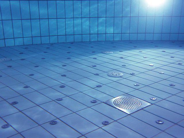 Quelle méthode pour entretenir ma piscine ?